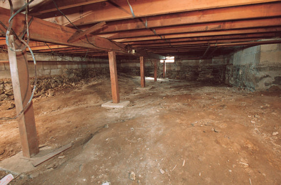 Crawl Space Set 5 Before